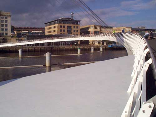 Gateshead Millennium Bridge Oct 2001